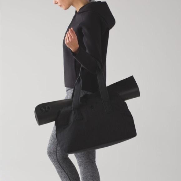 lululemon athletica Handbags - Lululemon Go Getter travel black bag